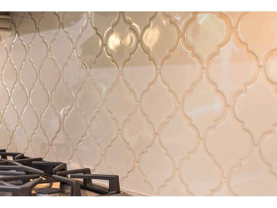 Antique White Arabesque Tile Backsplash